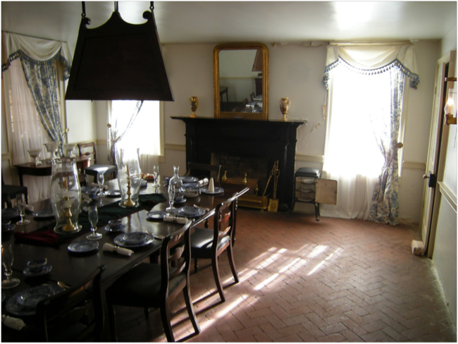 The dining room at Oakley Plantation House